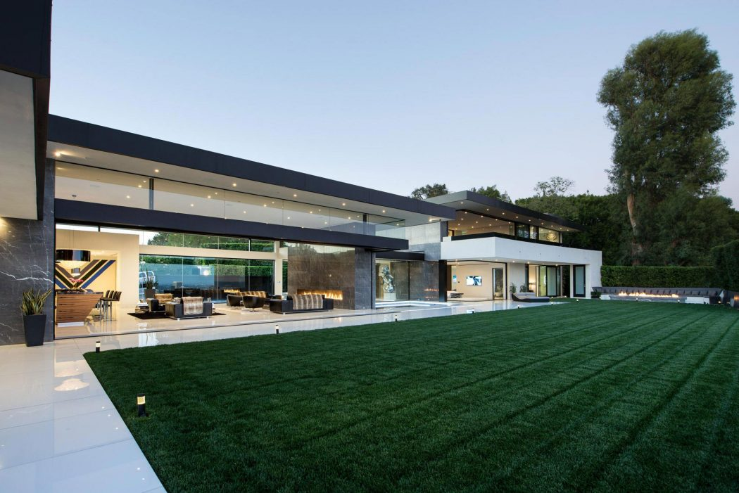 Contemporary home in bel air by mcclean design architecture for What is a modern house
