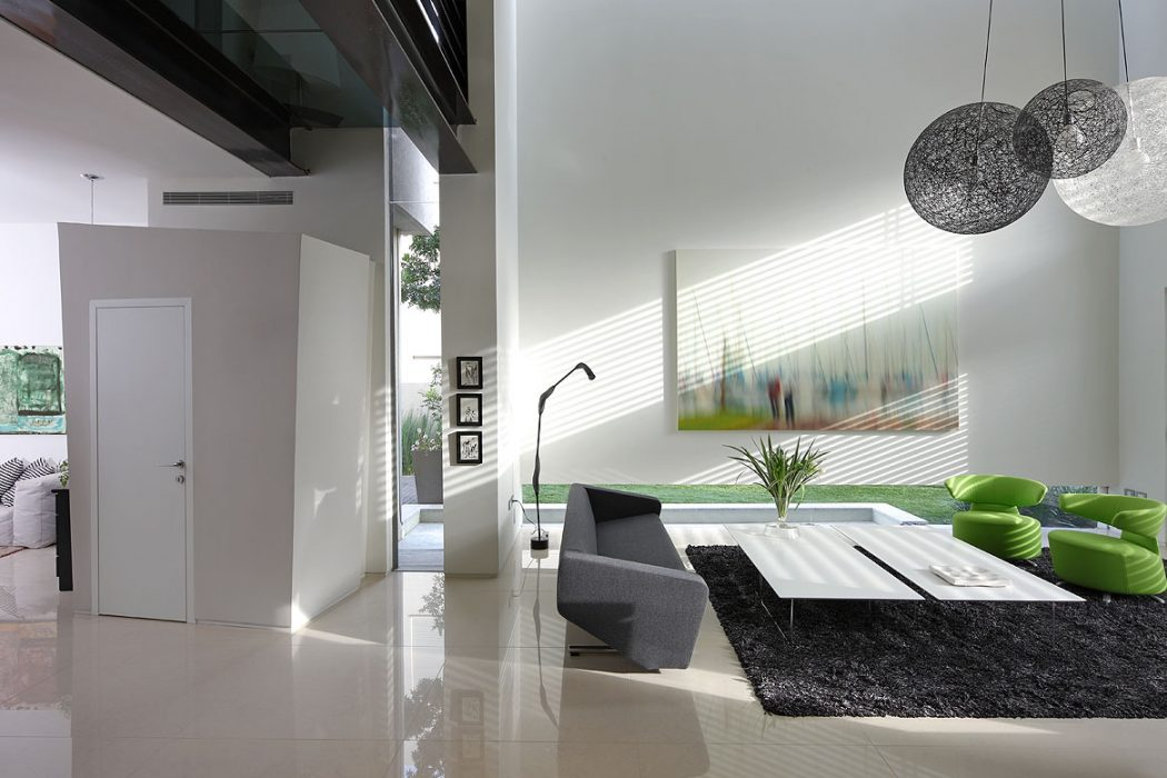House FE by Yulie Wollman