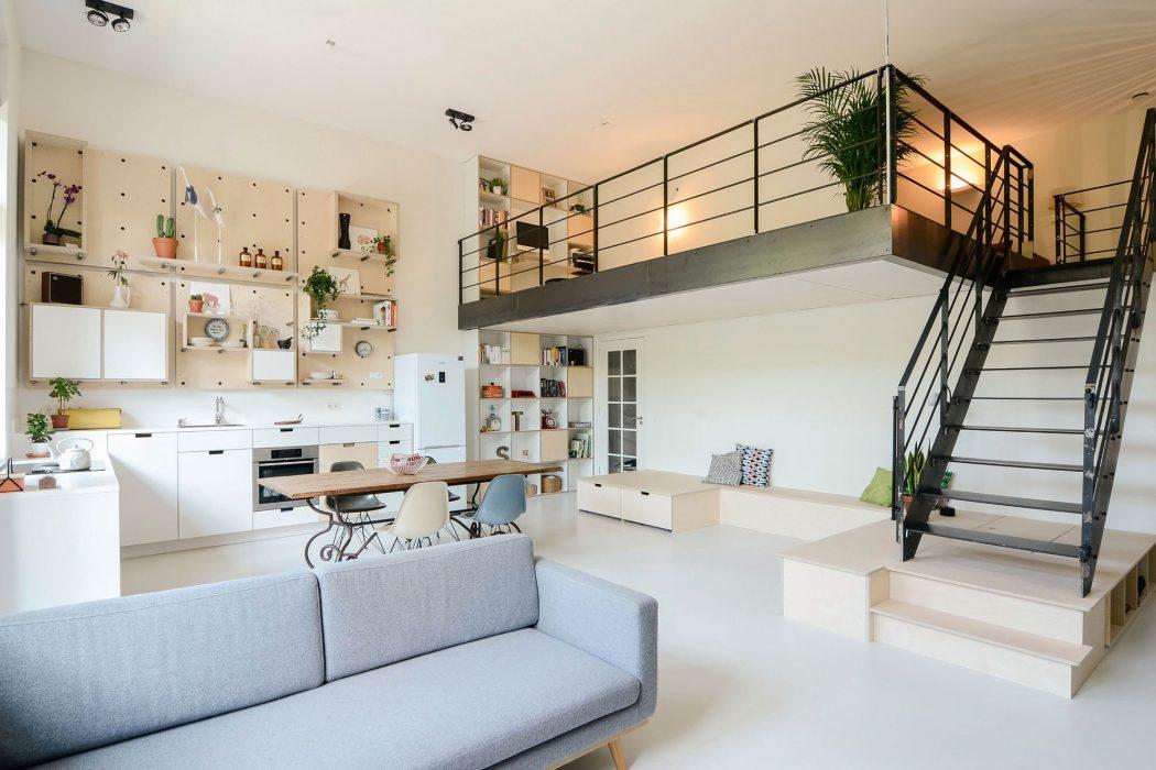 Old School Residence by Standard Studio