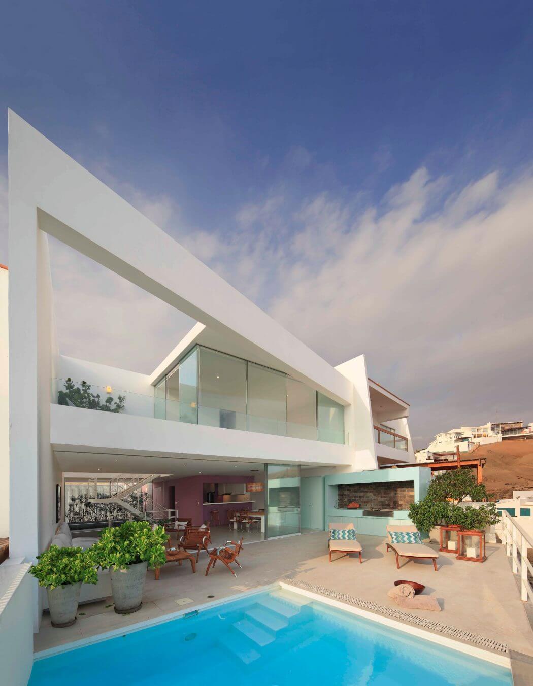 Casa Ave by Martin Dulanto Sangalli