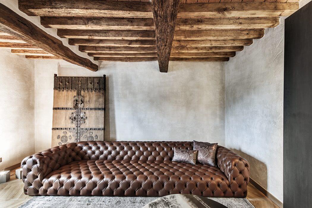 Rustic Apartment by Carnet Casa