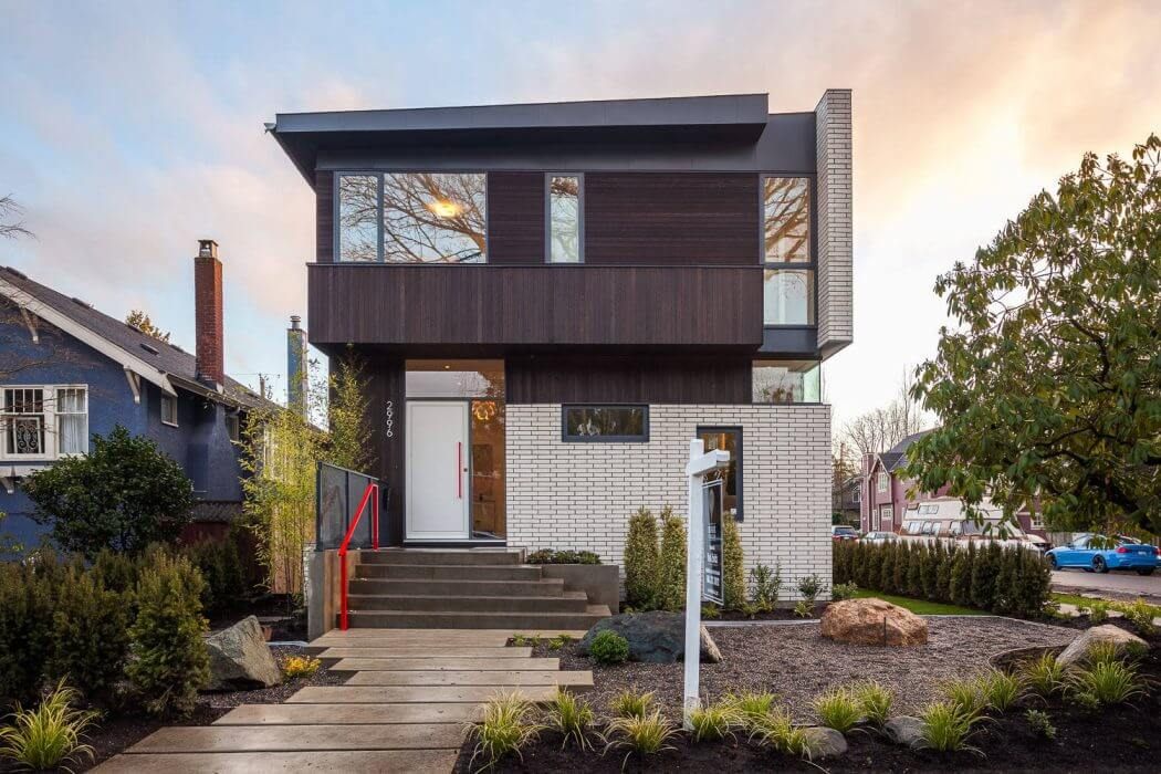 House in Vancouver by Randy Bens