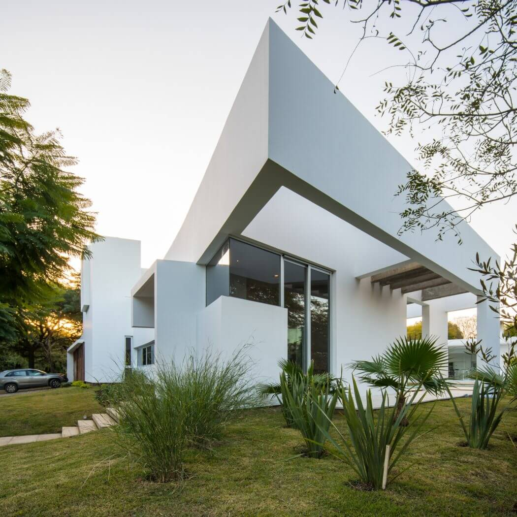 MOOE House by FCP Arquitectura