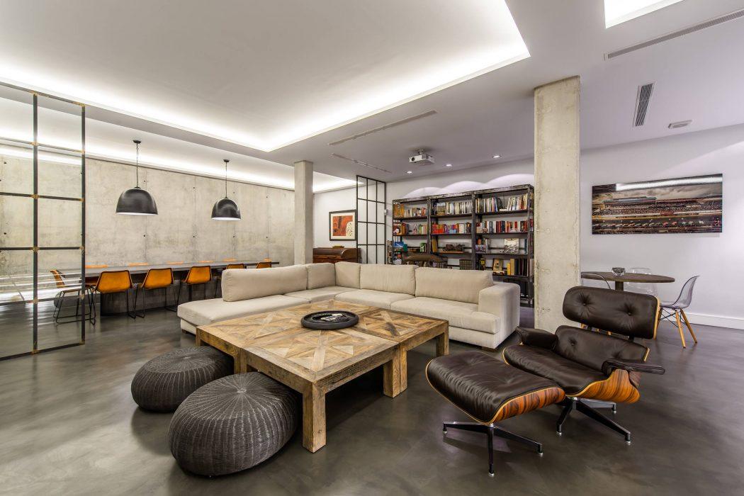 Contemporary Home by Marisa Gonzalez-Llanos