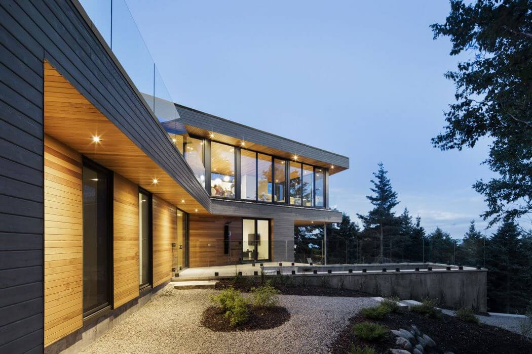 Residence by Bourgeois/Lechasseur Architects