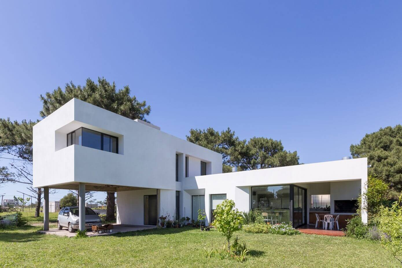 Casa lucerna by moire arqs homeadore for Fachadas minimalistas 2016