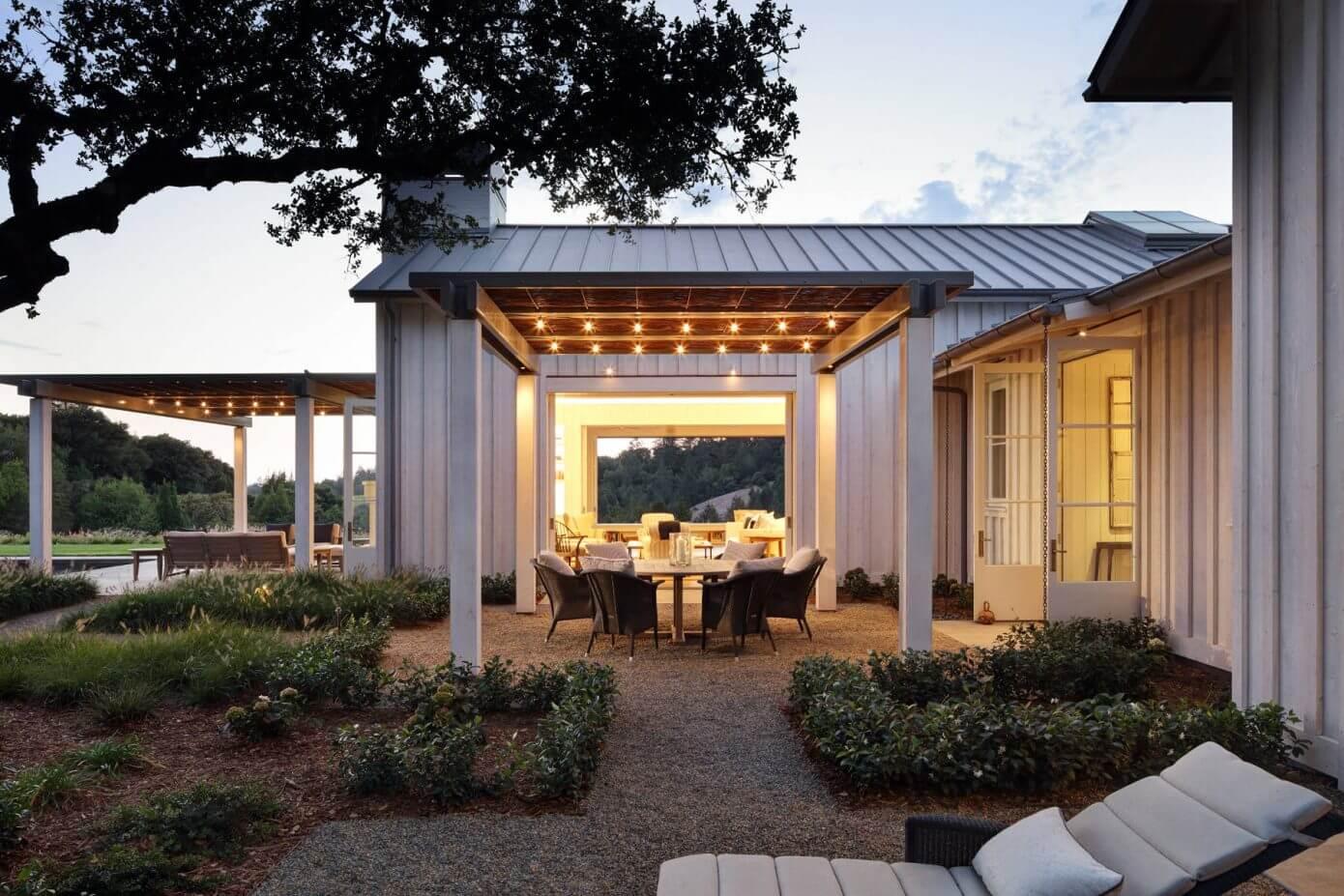 Farmhouse by Jim Murphy and Associates