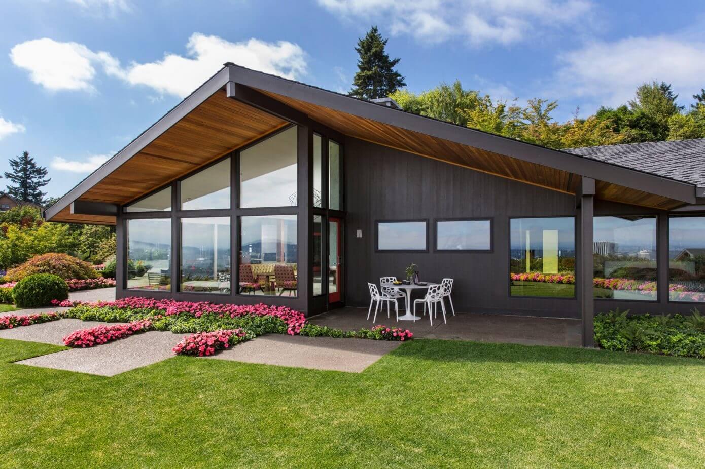 Mid-Century Home by Giulietti Schouten Architects