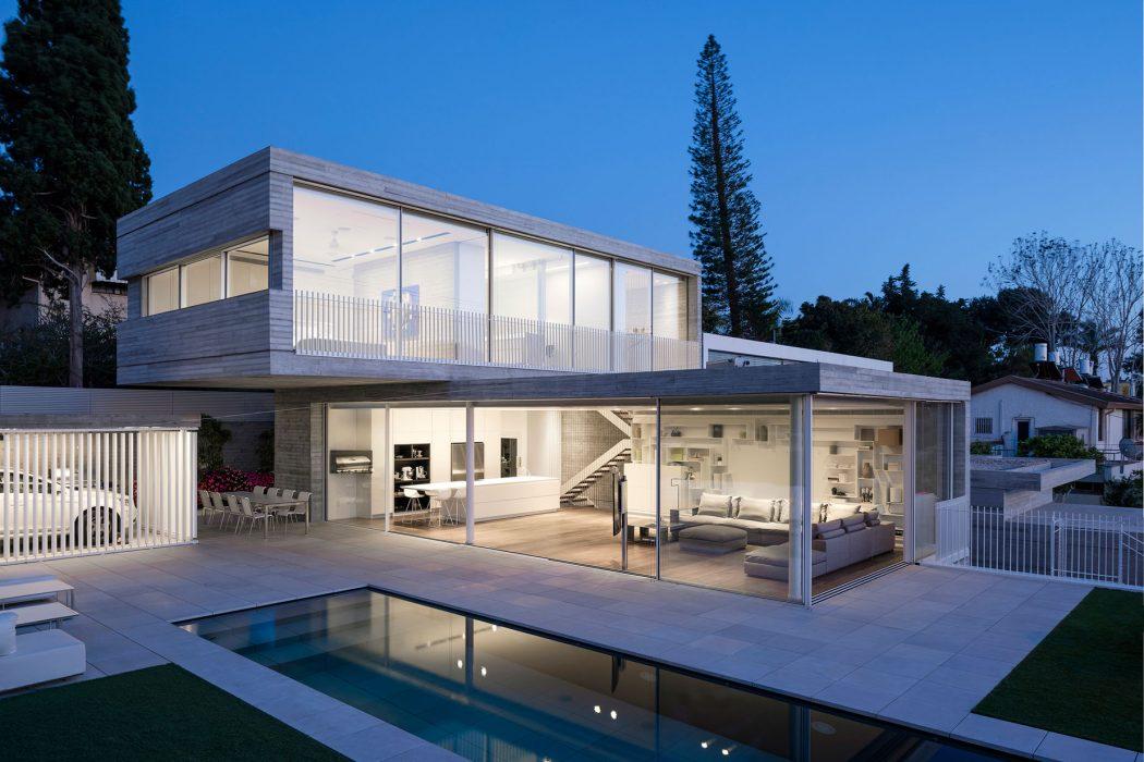 Dual House by Axelrod Architects & Pitsou Kedem Architects