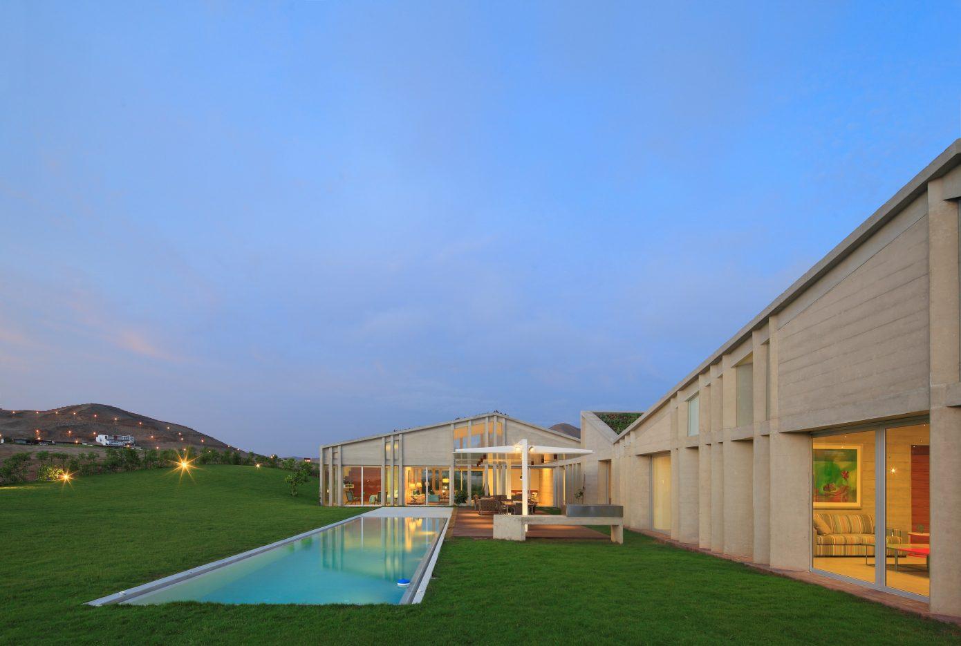 House MW by Riofrio + Rodrigo Arquitectos
