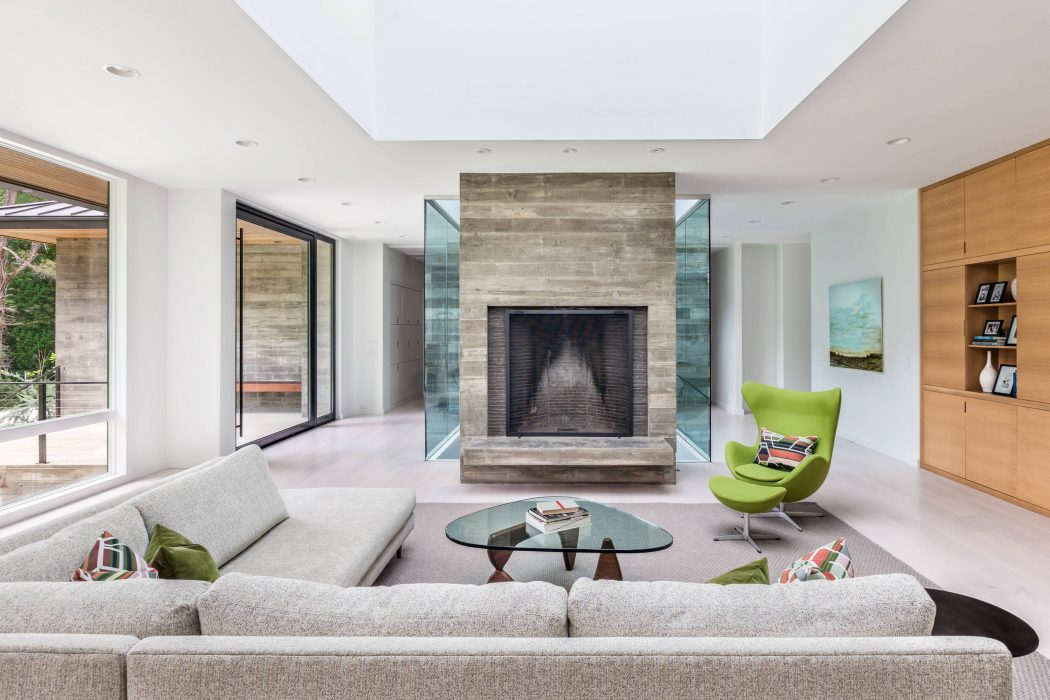 Modern Residence by SGA Architecture