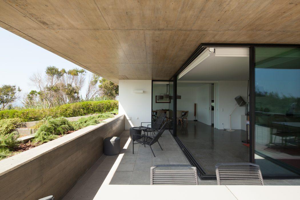 House in Lisboa by Ribeiro de Carvalho