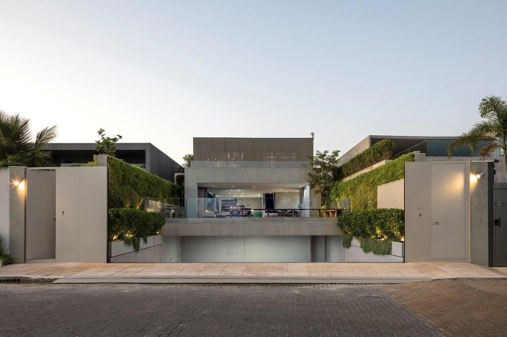 EK House by Studio Arthur Casas