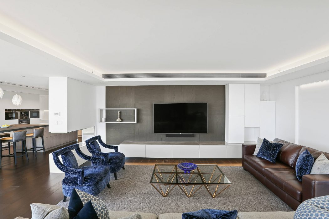 Penthouse in North Sydney by Jodie Carter Design