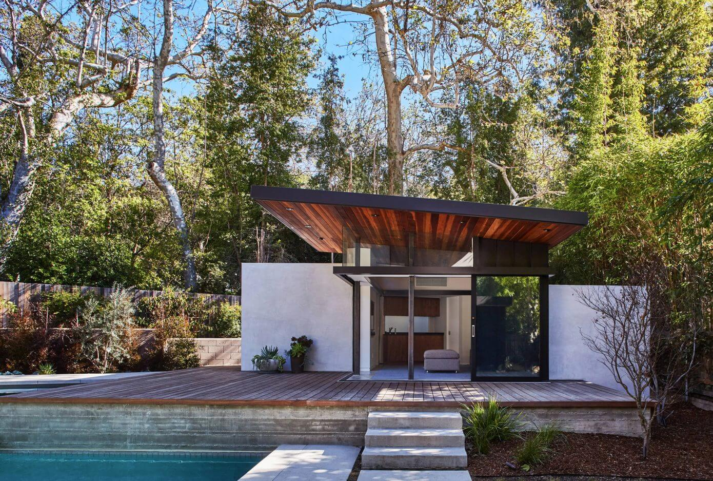Mandeville Canyon Home by Jesse Bornstein