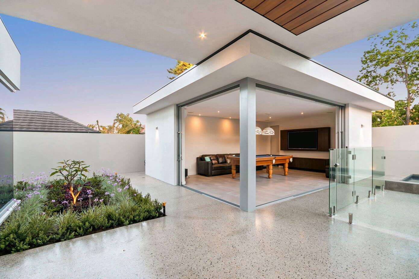 Contemporary House in Attadale by Imperial Homes