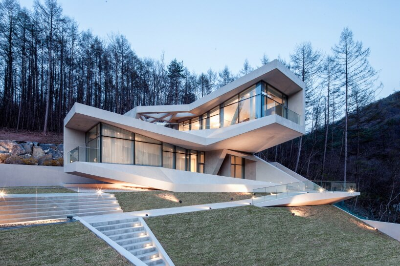 Retreat in Hongcheon by IDMM Architects