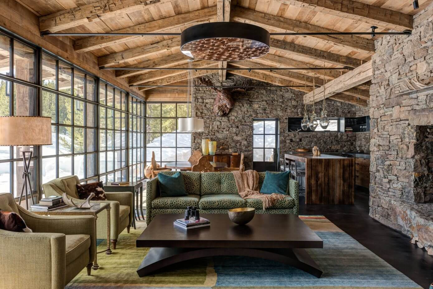 Camp run a muck cabin by pearson design group homeadore for Decoration interieur chalet montagne