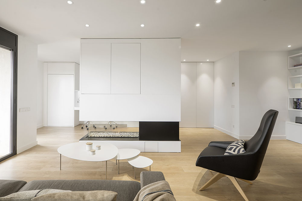 Minimalist House by Susanna Cots « HomeAdore