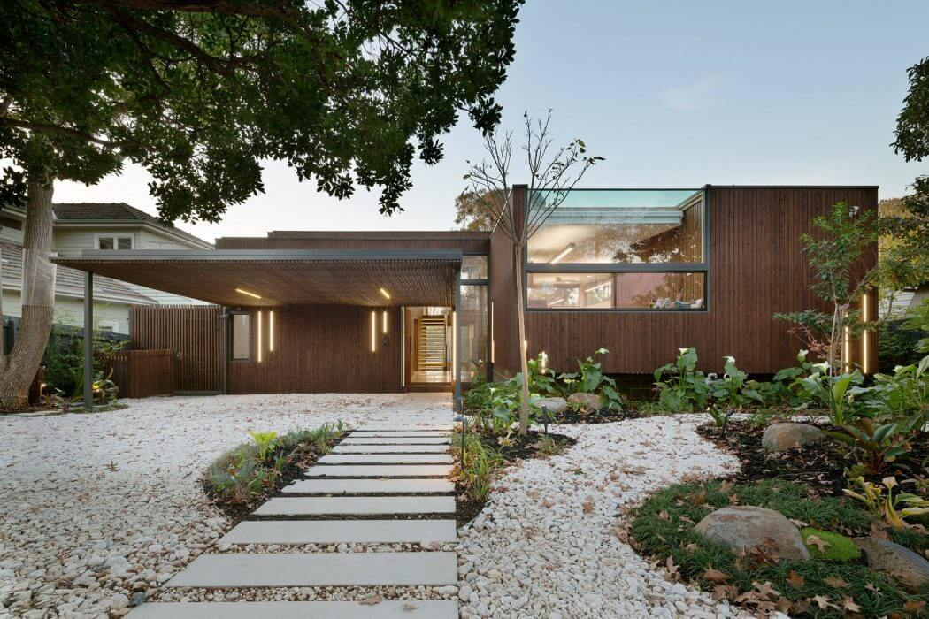 Trail House by Zen Architects