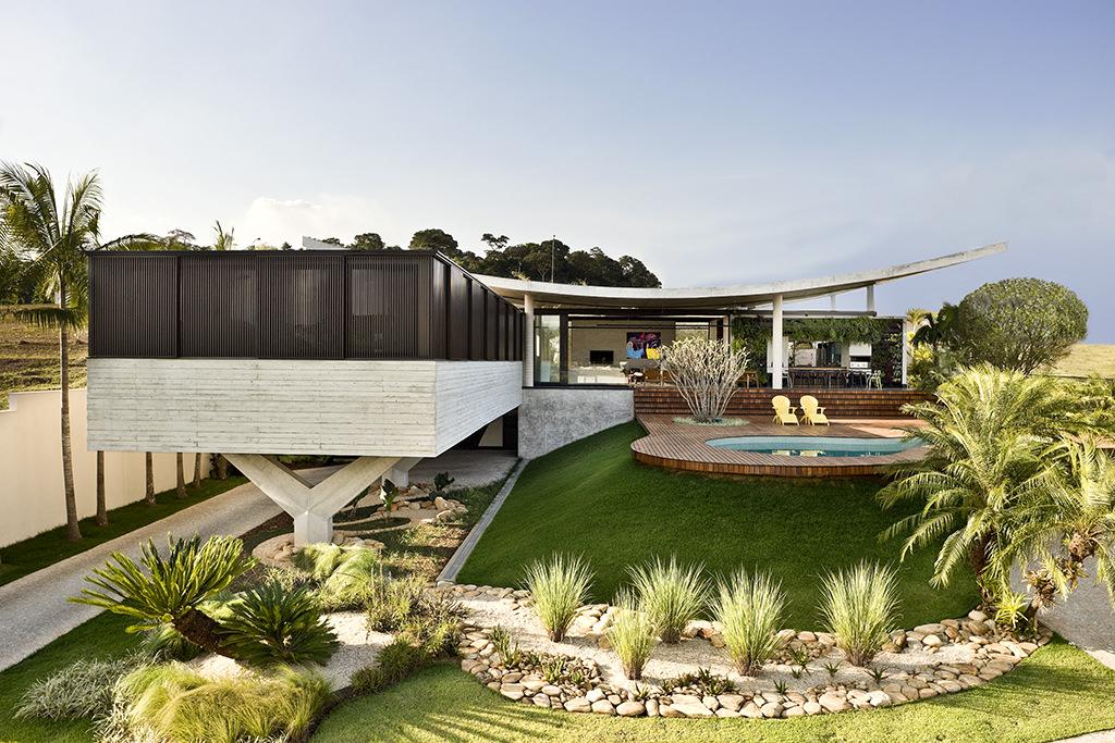 House in Goiânia by Leo Romano