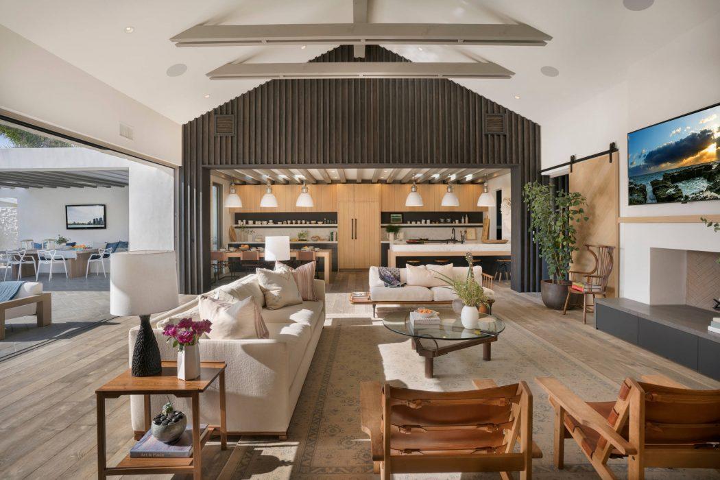 Residence in Newport Beach by KRS Development