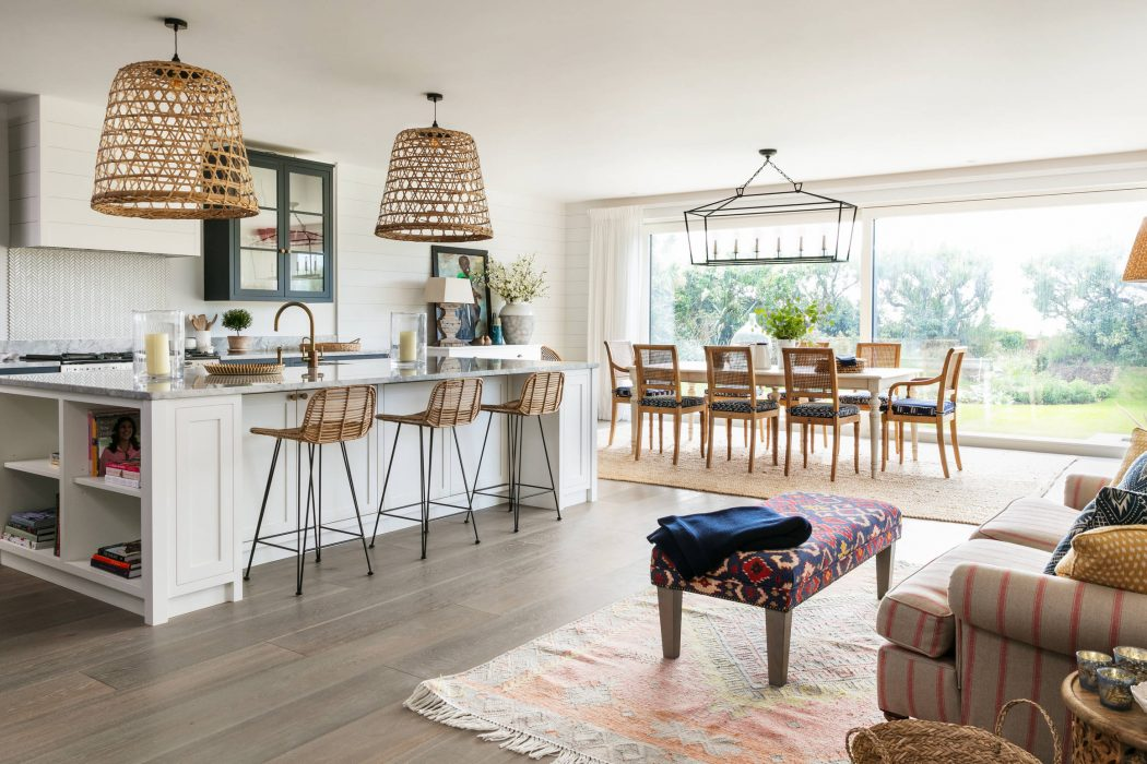 Modern Beach House by Lisette Voute Designs