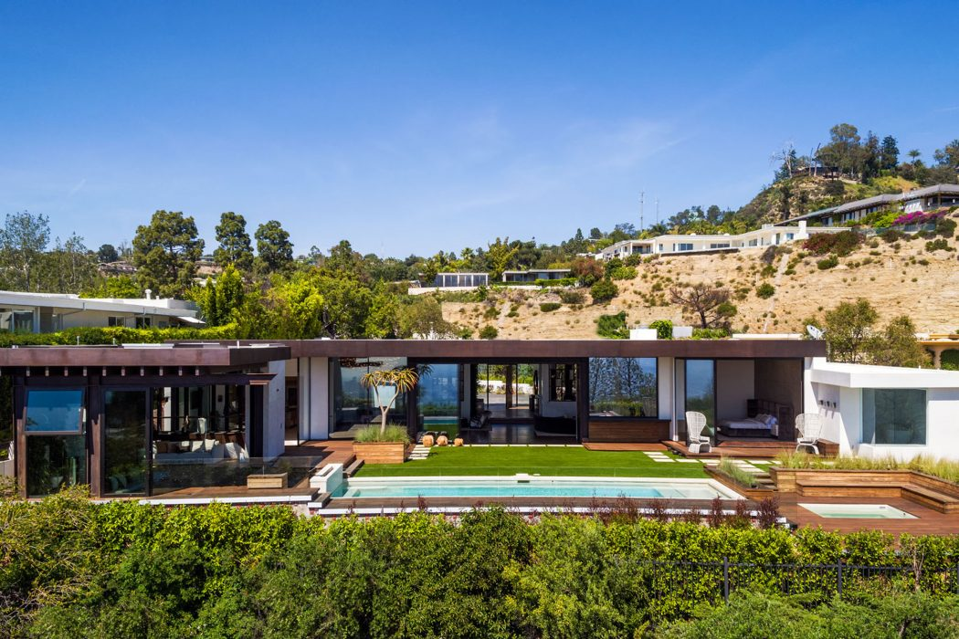 Trousdale Residence by Mayes Office