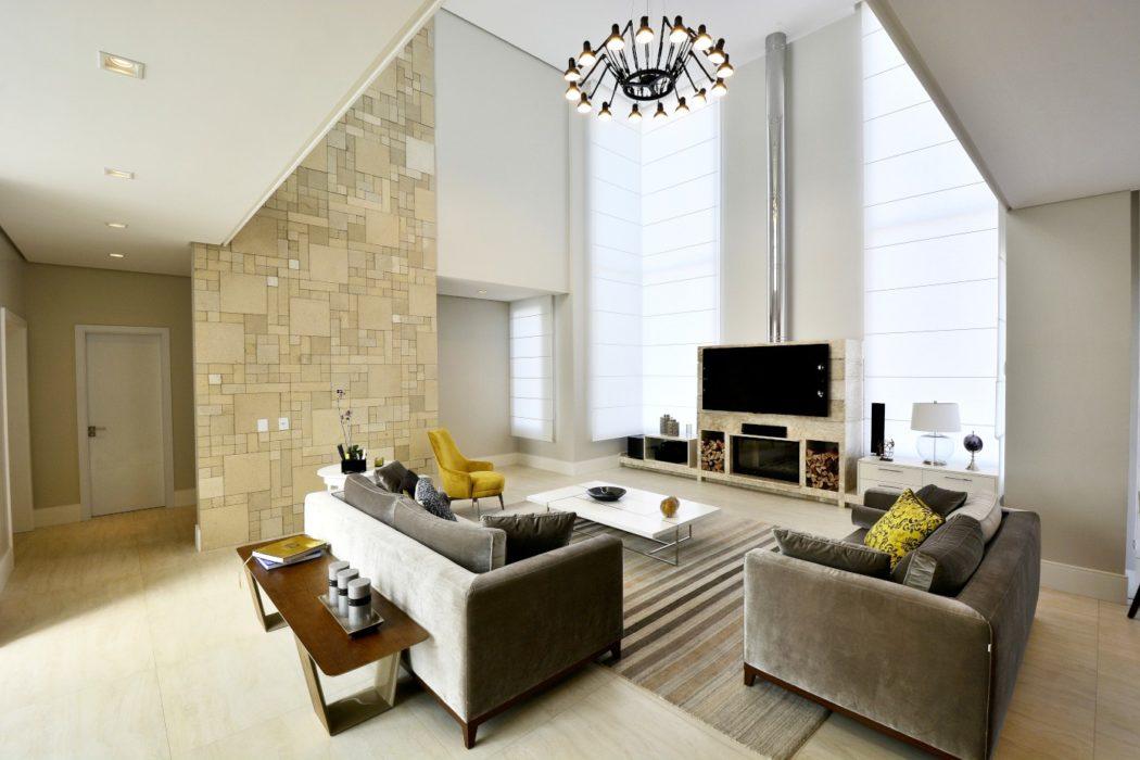 Contemporary Home in Brazil by Marcelo Minuscoli