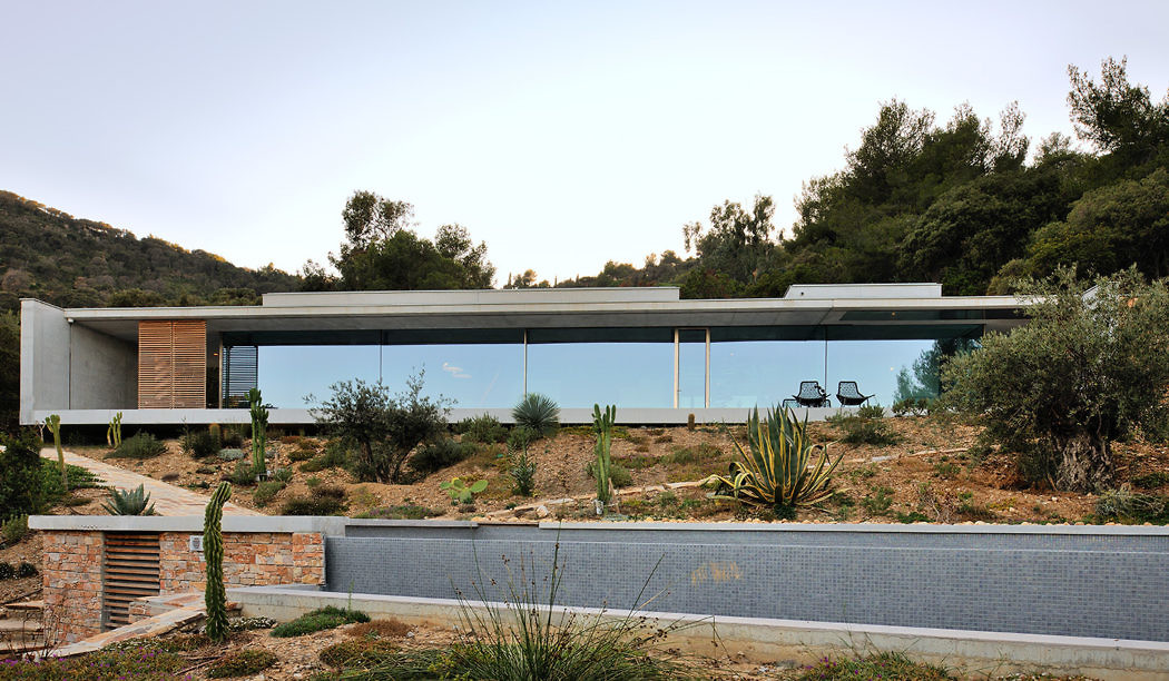 La Mira Ra House by Aum Pierre Minassian