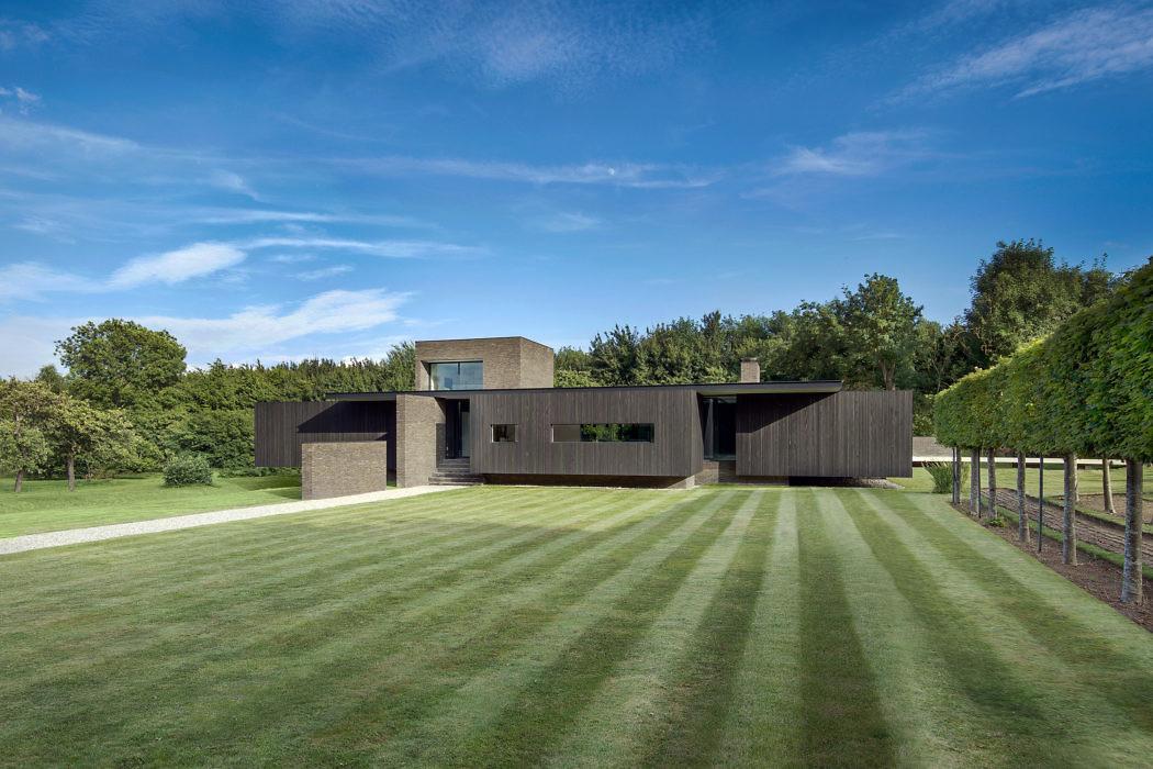 Black House by AR Design Studio