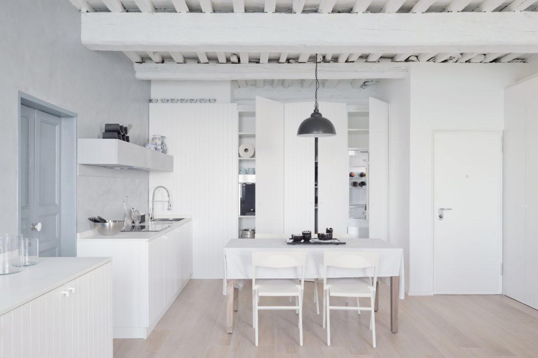 White Stripes Apartment by Gosplan