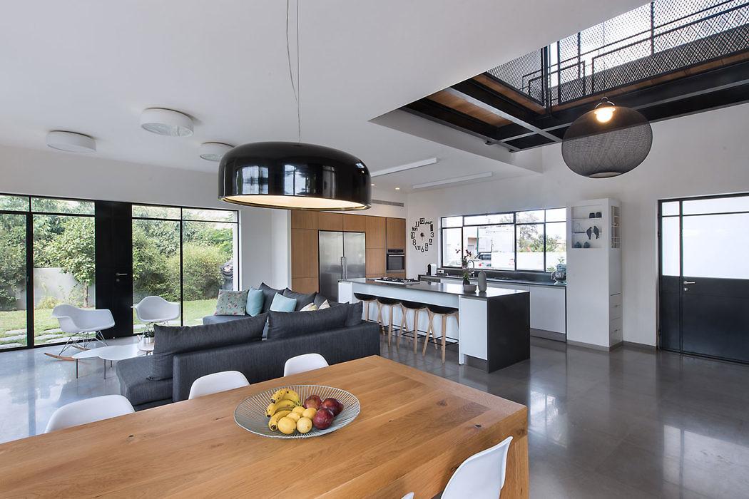 Even Yehuda Residence by Neuman Hayner Architects