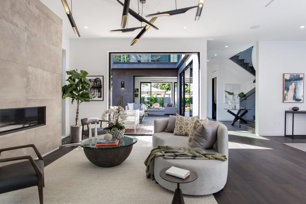 House in Venice by Golden Line Construction