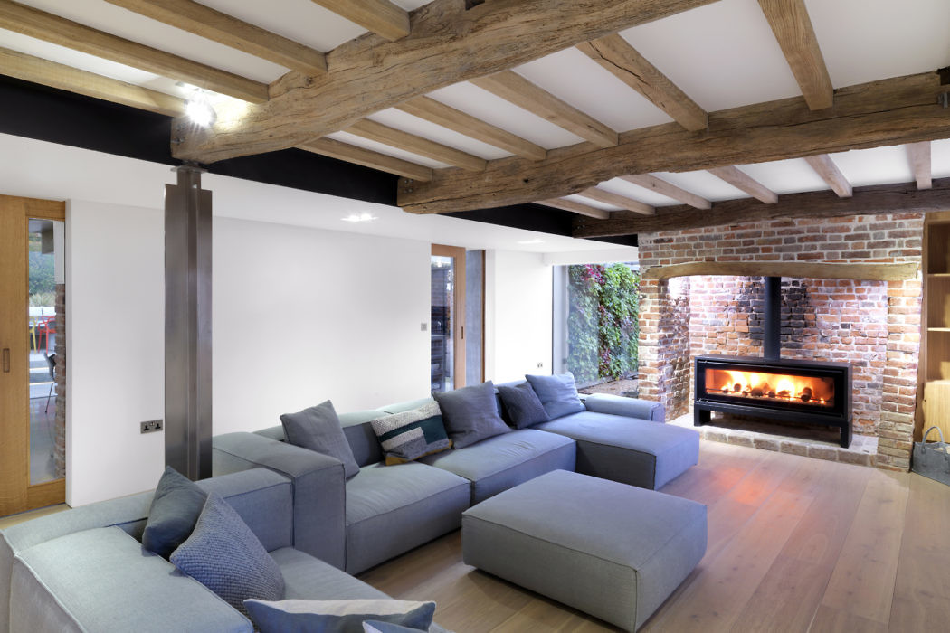 Cottage by Guy Hollaway Architects