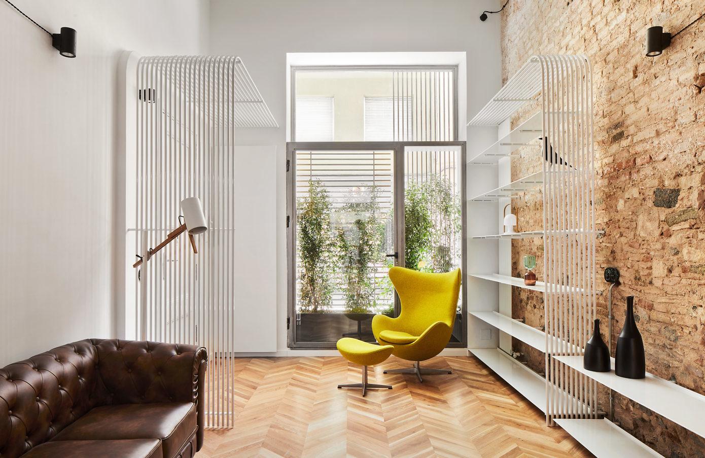 Apartment in Barcelona by Valentí Albareda