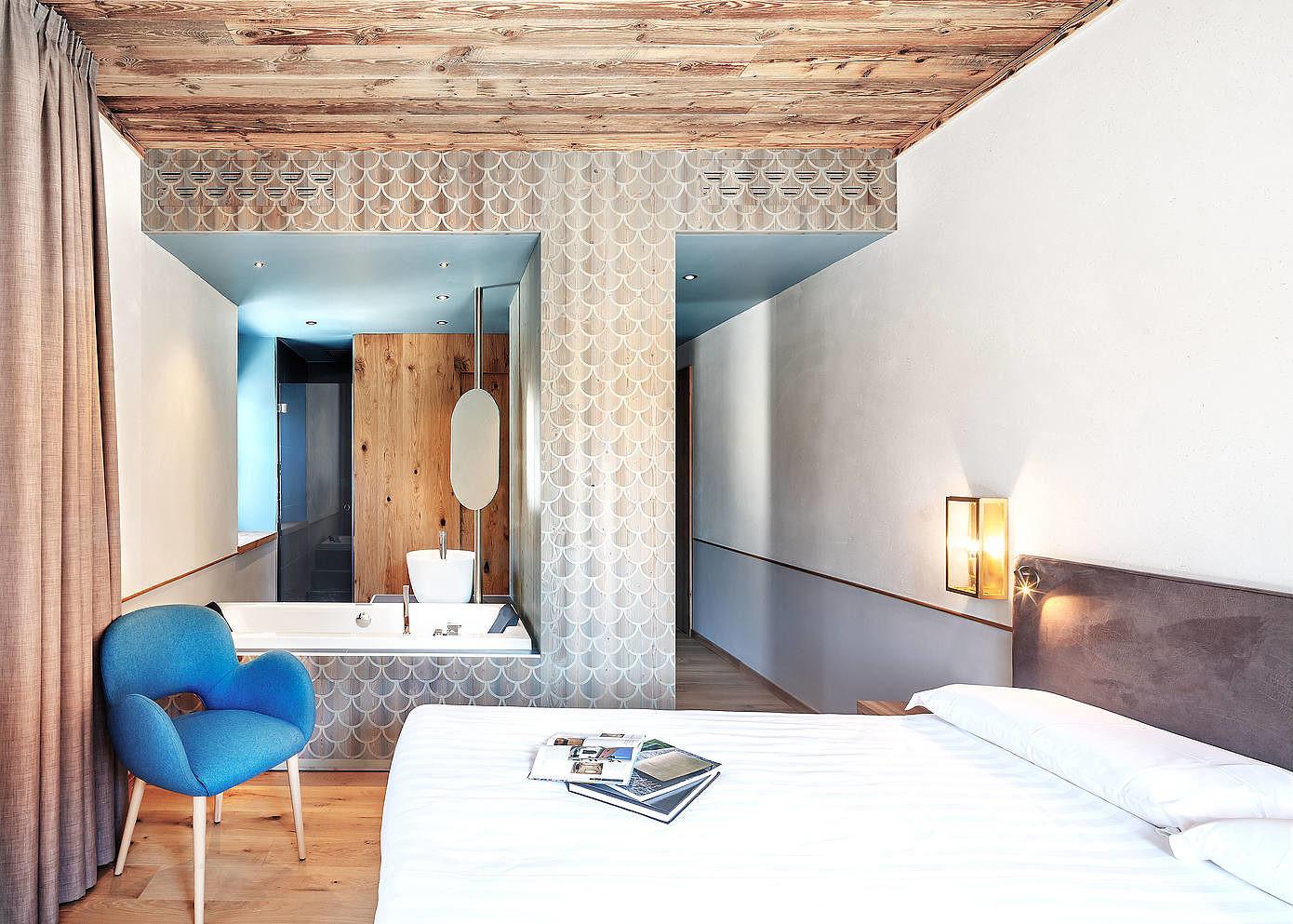 Hotel garden by studio raro homeadore for Shea homes design studio arizona