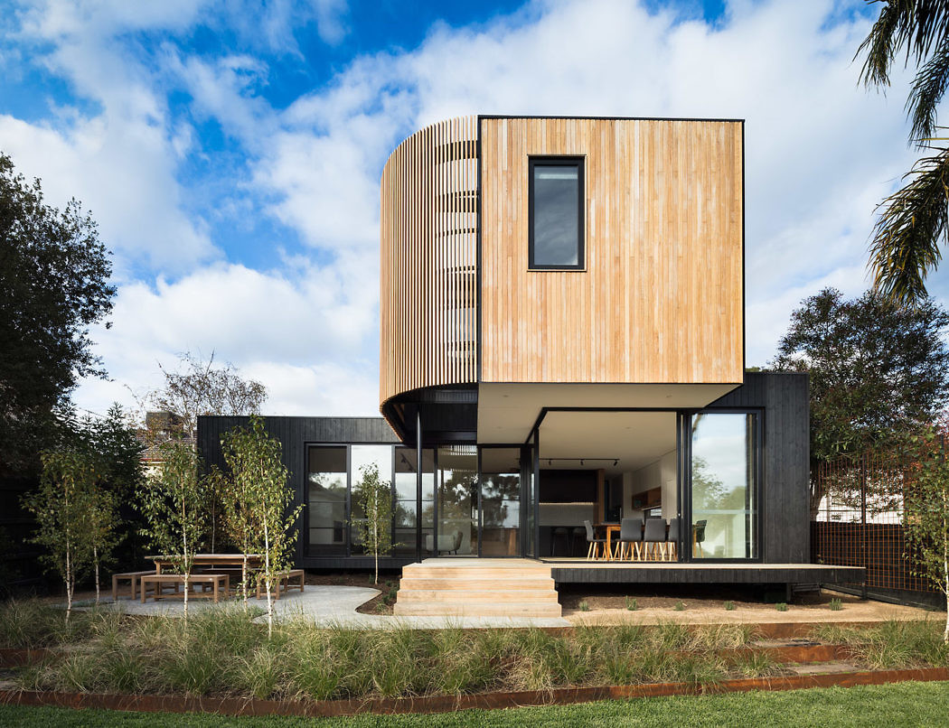 Ivanhoe Extension by Modscape