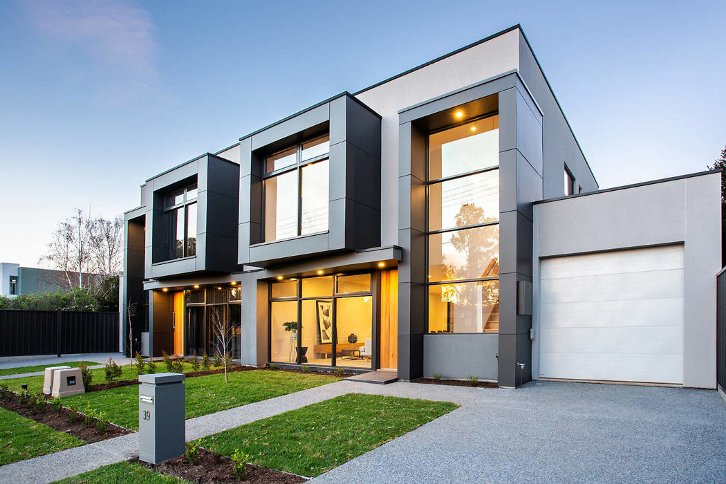 Luxury Townhouse by Claridge Construction