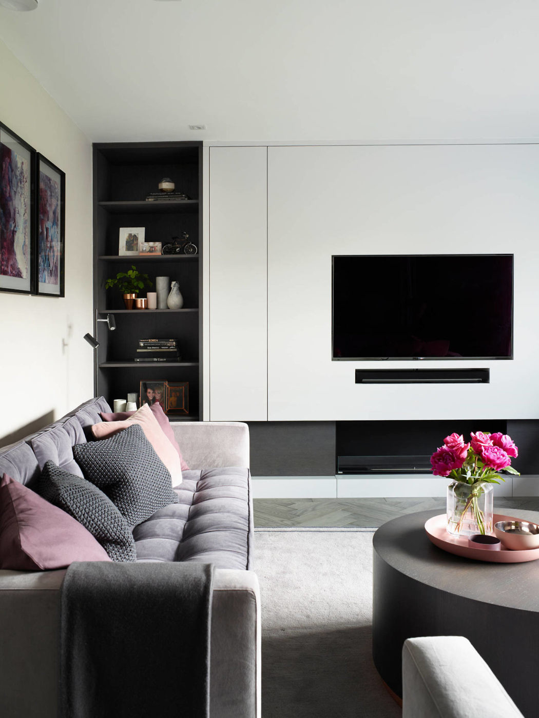 Designed in 2017 by love interiors this contemporary residence is located in dublin ireland photography by rachael smith