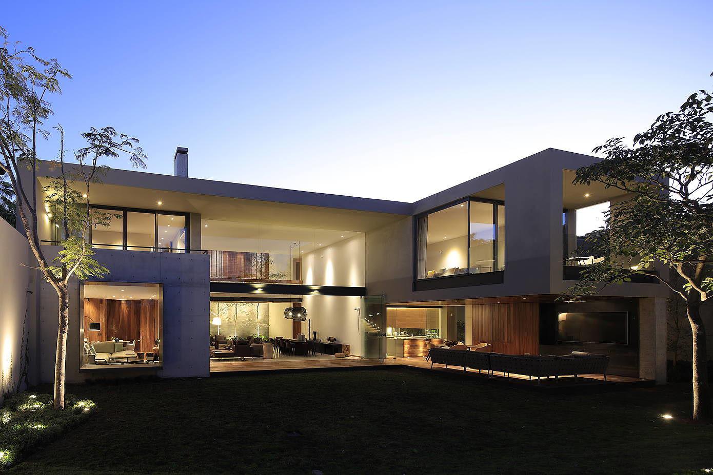 HNN House by Hernandez Silva Architects