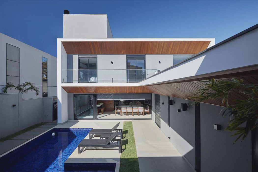 Kyra Residence by Isabela Gasser