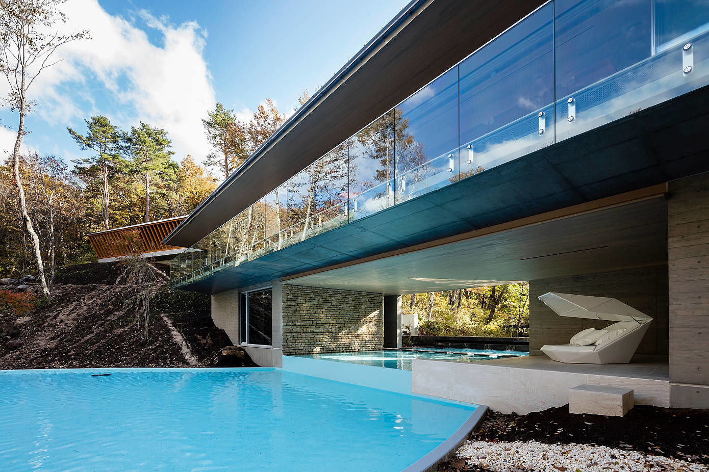 Water Glass Villa by M-Architects