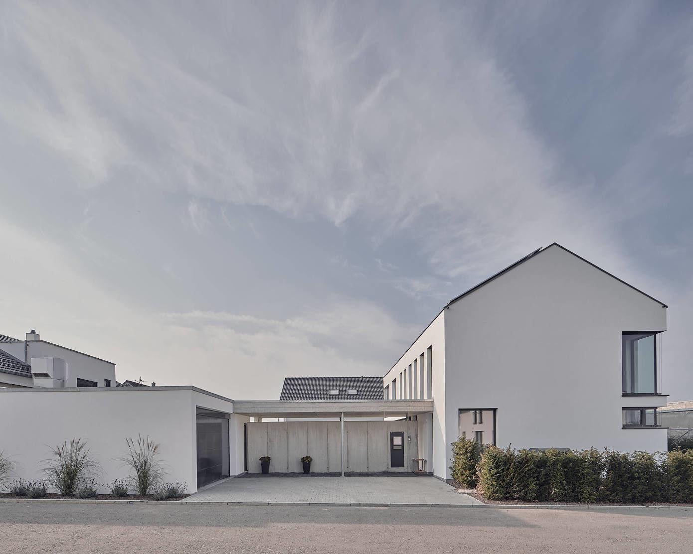 House PE15 by Schiller Architektur BDA