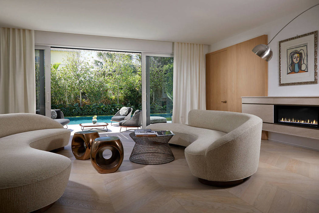 Contemporary Beach House by Beacon Construction Group