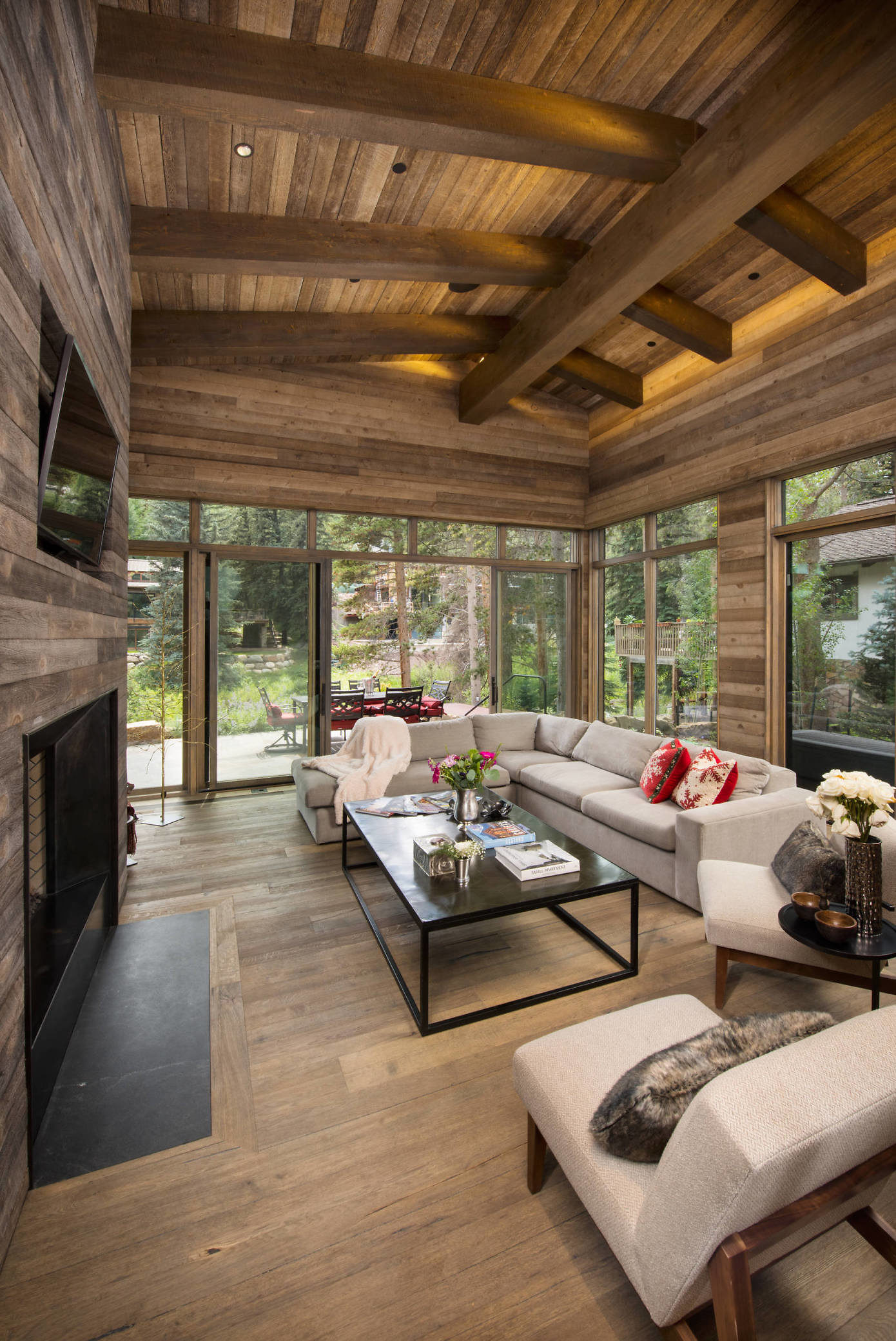 Meadow Drive Home by Pierce Architects