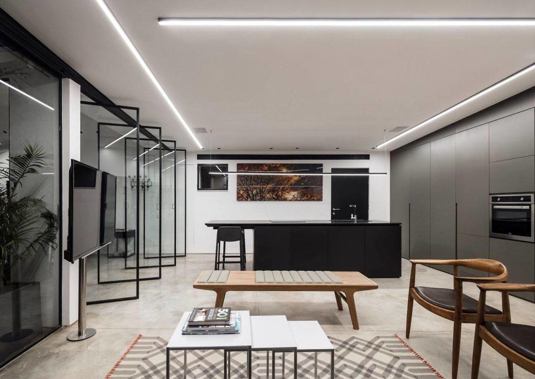 A5 House by Raz Melamed Architect