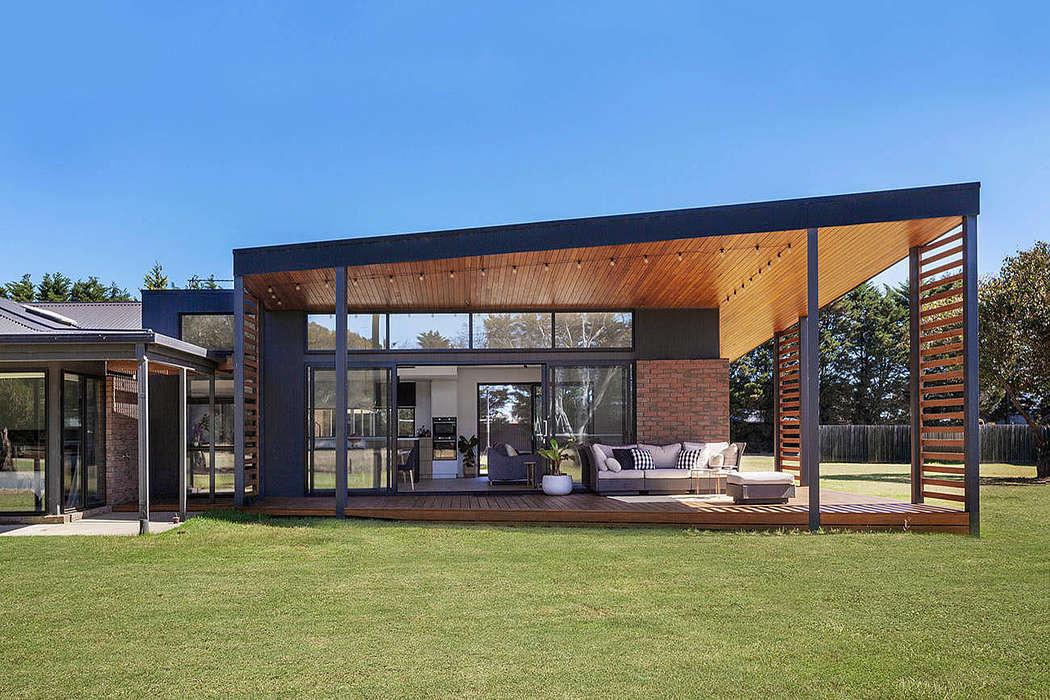Moolap Residence by Dylan Barber Building Design