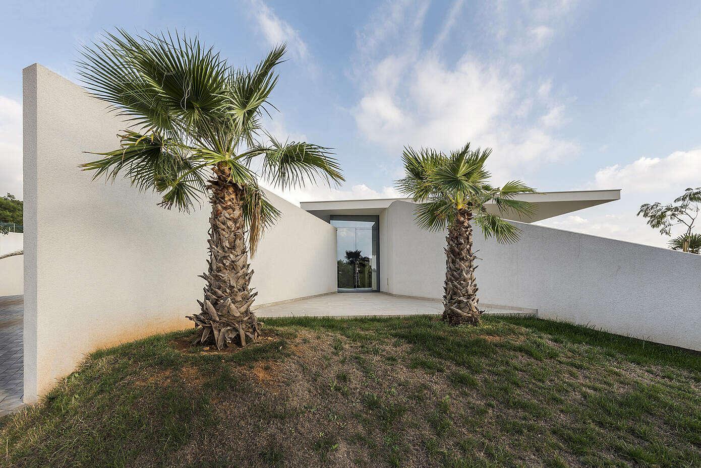 Bedrock House by Idis Turato