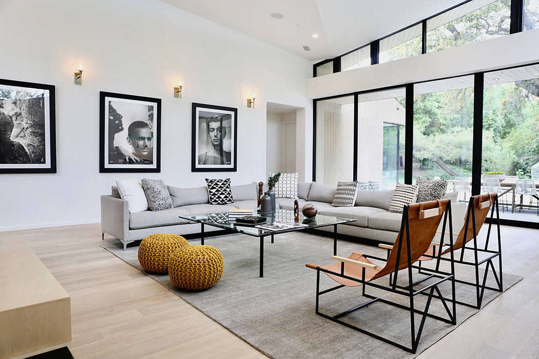 Home in Pasadena by Meridith Baer Home
